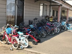 園外観自転車-300x225